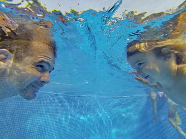 yago seba in piscina august 2014